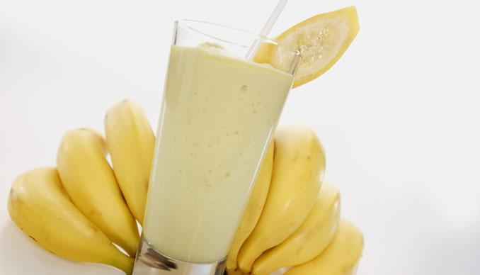 Ξύπνησες με hangover; Φτιάξε ένα milkshake μπανάνας με μέλι!