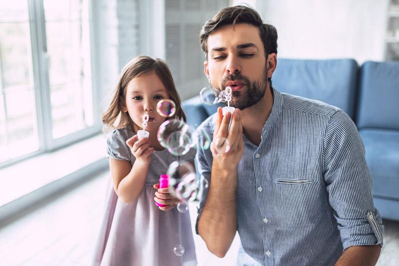 4 δραστηριότητες για να κάνετε στο σπίτι με τα παιδιά σας!