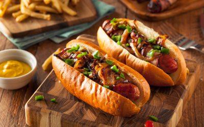 Hot dog με λουκάνικο Μυκόνου