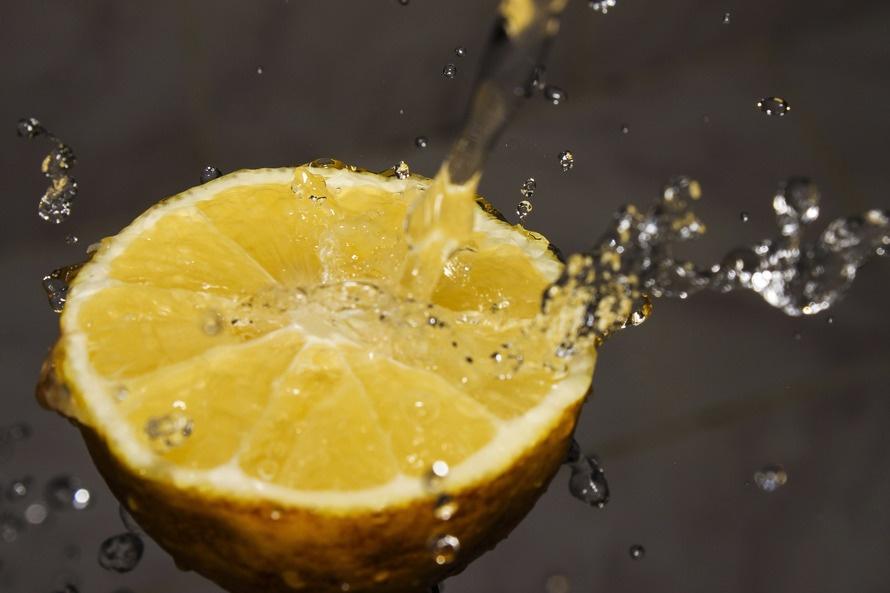 Νερό με λεμόνι κάθε πρωί, για καλύτερη υγεία!